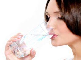 Щелочная вода убивает рак, воспаление и выводит токсины! Узнайте, как её сделать и употреблять!