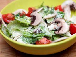 5 низкокалорийных салатов, которые насытят и помогут сохранить фигуру
