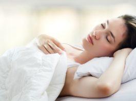 Проглотив ЭТО — вы заснете почти мгновенно, проспите всю ночь, а на утро будете выспавшимся!