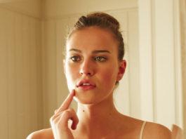 Бледные губы, выпадение волос и даже морщины могут быть результатом дефицита питательных веществ!